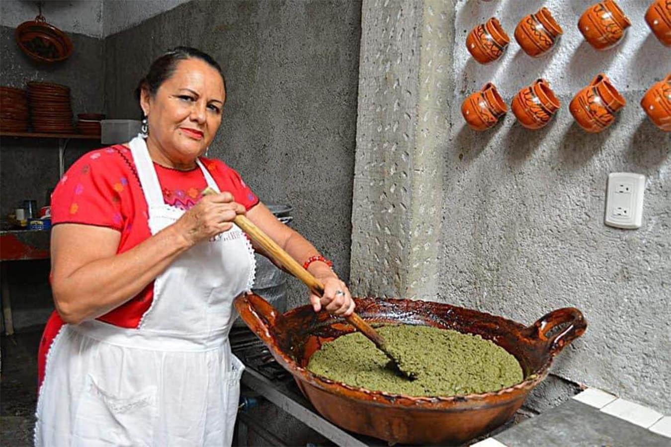 pozole verde de guerrero mole verde cocineras tradicionales luzmy del carmen