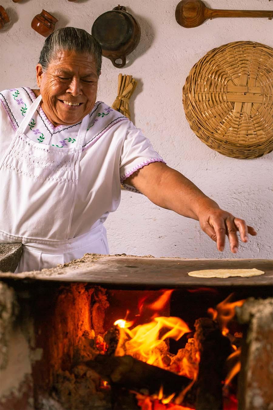 tostadería Doña Pachis mujeres del maíz tostadas mexicanas raspadas